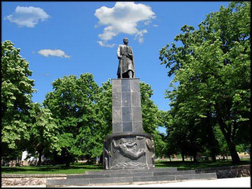Споменик Карађорђу Петровићу у Тополи